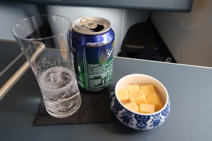 KLM A330 BUSINESS CLASS: LUNCH