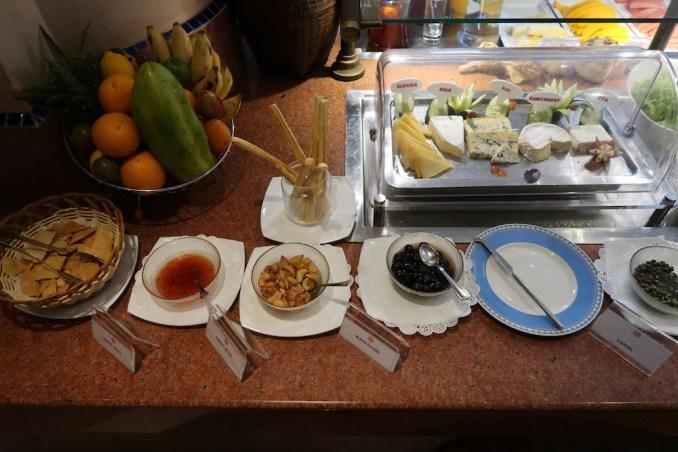 SERENA KIGALI HOTEL: MILIMA RESTAURANT (BREAKFAST)