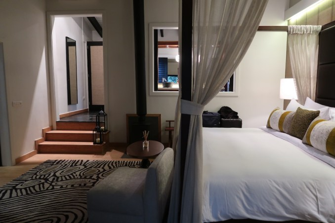 ONE&ONLY NYUNGWE HOUSE: FOREST SUITE - MASTER BEDROOM