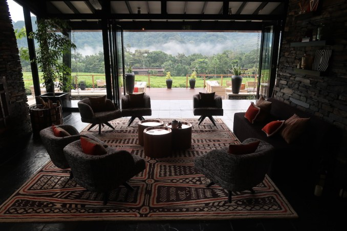 ONE&ONLY NYUNGWE HOUSE: MAIN PAVILION - SITTING AREAS