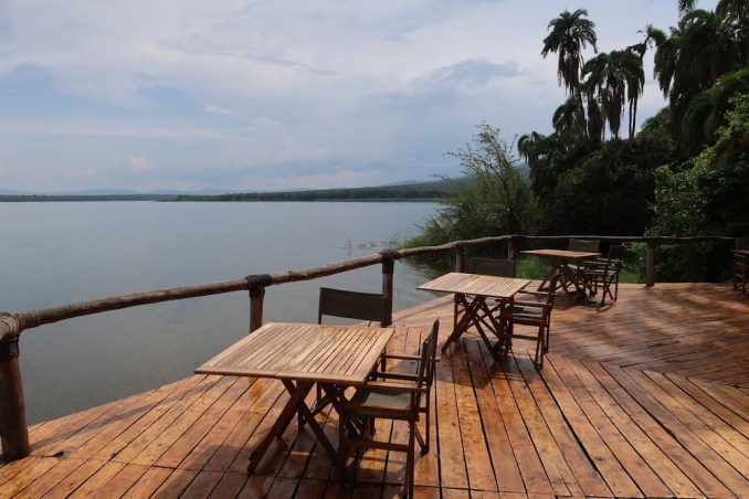 RUZIZI TENTED LODGE: TERRACE OVER LAKE IHEMA
