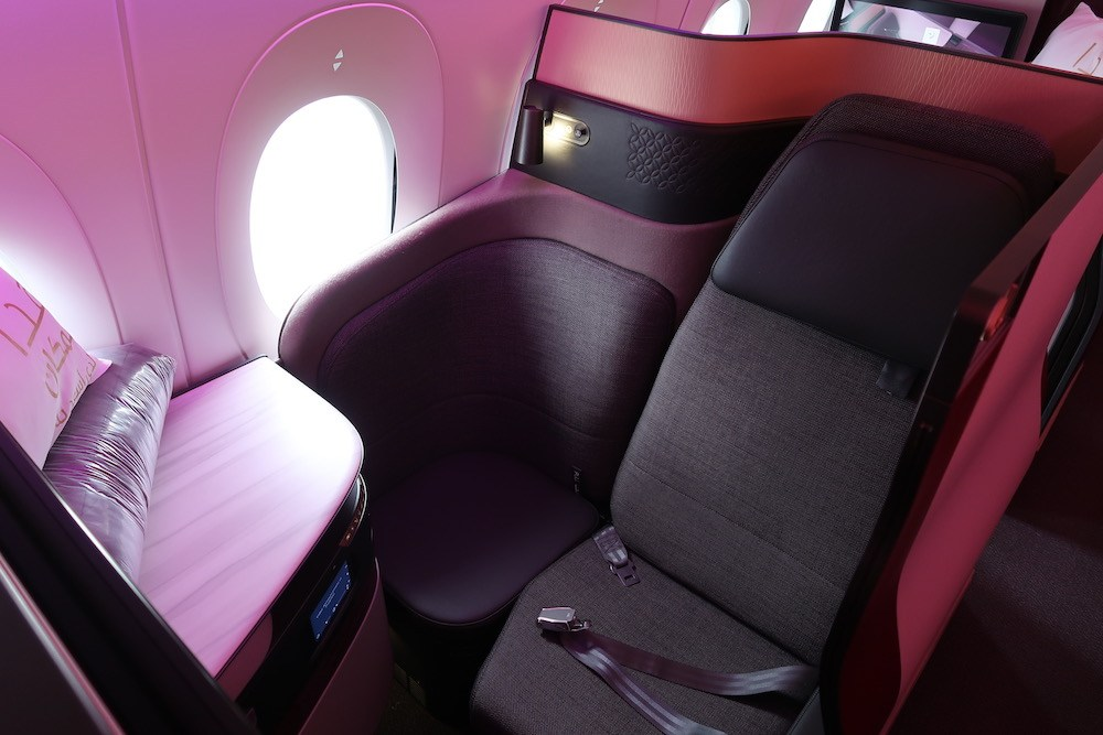 Tips & tricks for booking Qatar Airways' amazing Qsuite seat