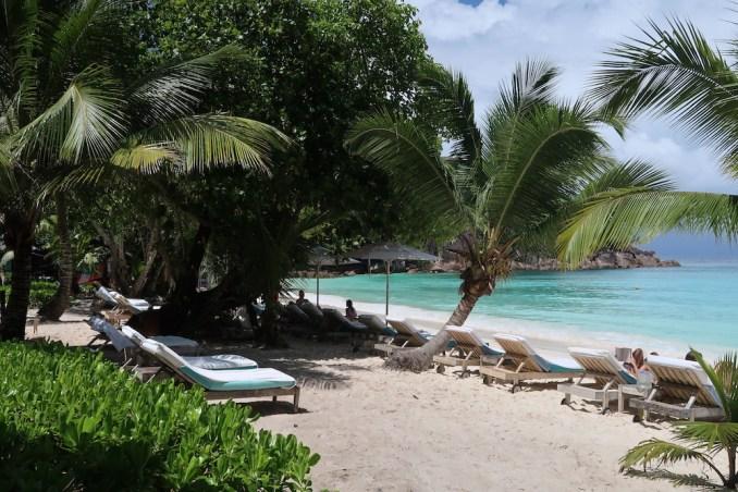 FOUR SEASONS SEYCHELLES: BEACH