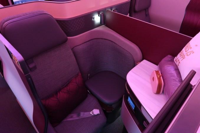 QATAR AIRWAYS A350 QSUITE (CENTER)
