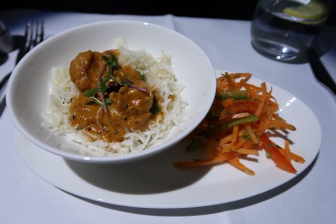 QATAR AIRWAYS A330 BUSINESS CLASS: DINNER