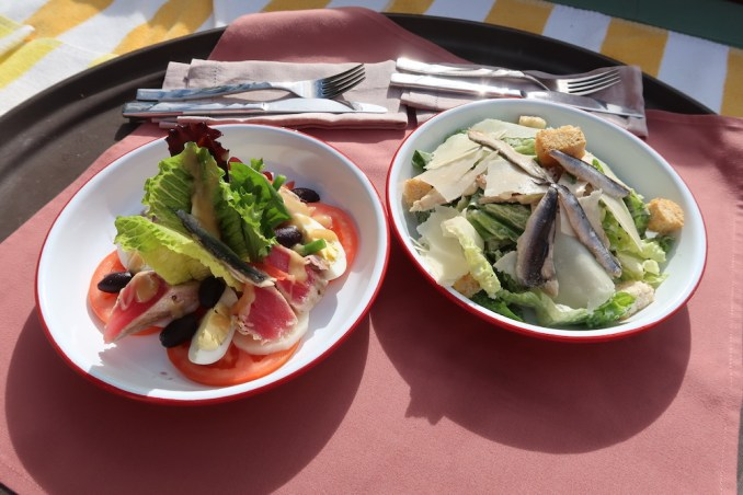 RAFFLES SEYCHELLES: POOLSIDE LUNCH