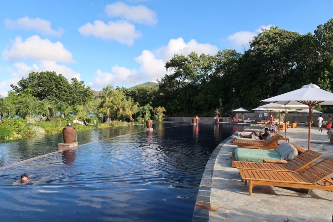 RAFFLES SEYCHELLES: SWIMMING POOL