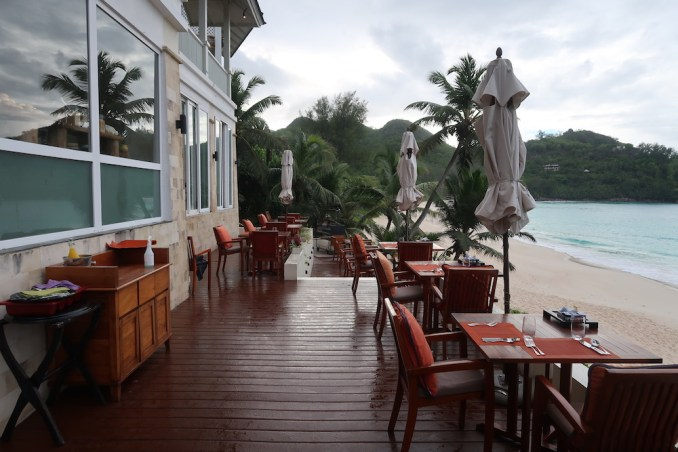 BANYAN TREE SEYCHELLES: BREAKFAST AT AU JARDIN D'EPICES