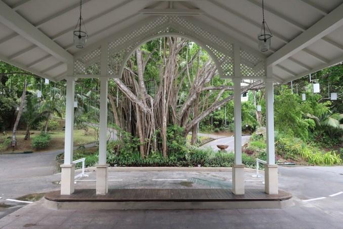 BANYAN TREE SEYCHELLES: ARRIVAL COURTYARD