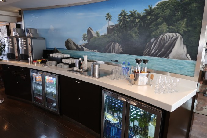 PREMIUM LOUNGE AT SEYCHELLES AIRPORT