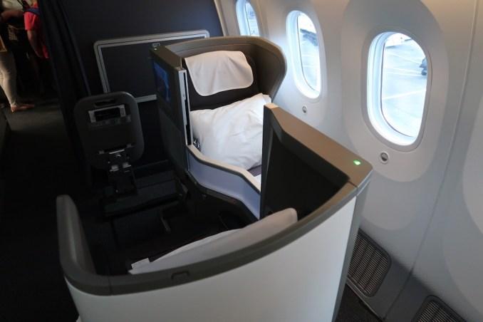 BRITISH AIRWAYS B787: BUSINESS CLASS CABIN