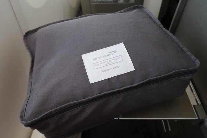 BRITISH AIRWAYS B787 BUSINESS CLASS: BEDDING
