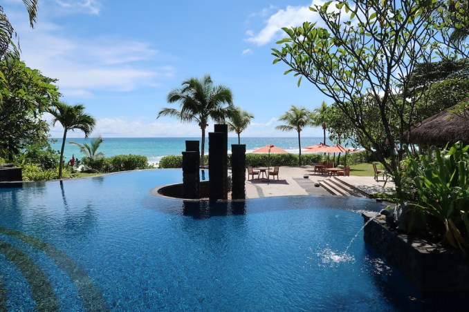 MAIA RESORT SEYCHELLES: MAIN POOL