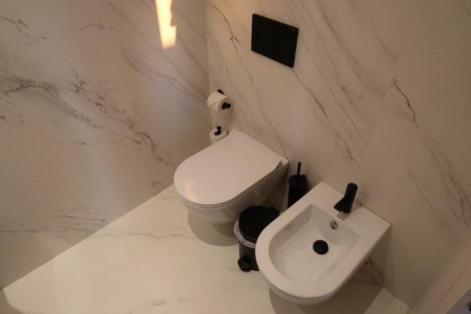 CAVO TAGOO MYKONOS: HONEYMOON SUITE (BATHROOM)