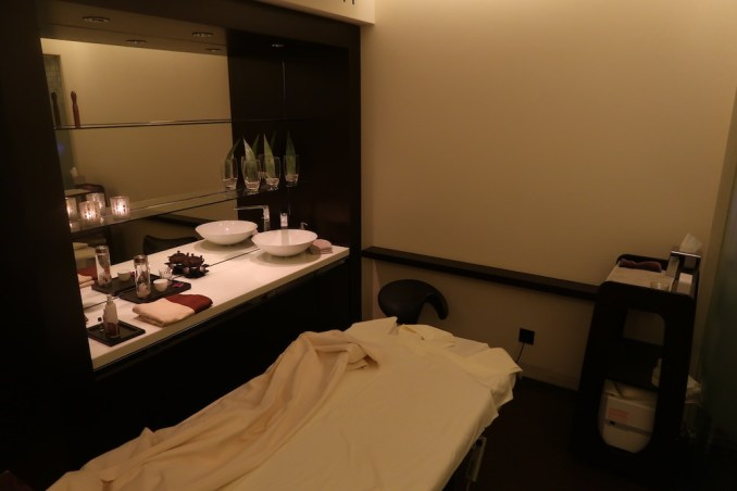 THE DOLDER GRAND: SPA - TREATMENT ROOM