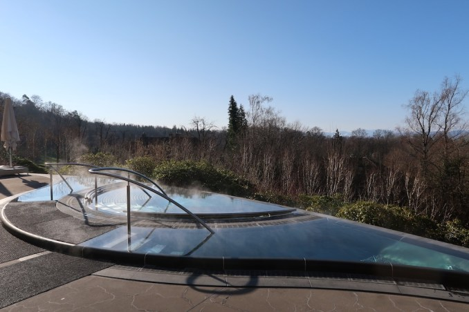 THE DOLDER GRAND: SPA - TERRACE WITH JACUZZI