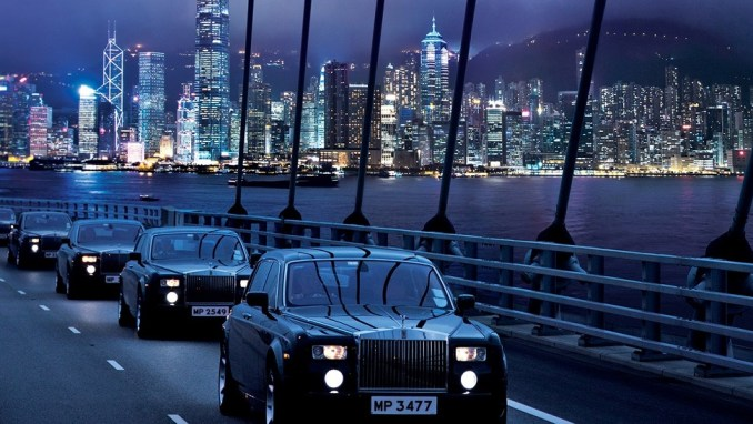 ARRIVE BY ROLLS-ROYCE AT THE PENINSULA HONG KONG (CHINA)
