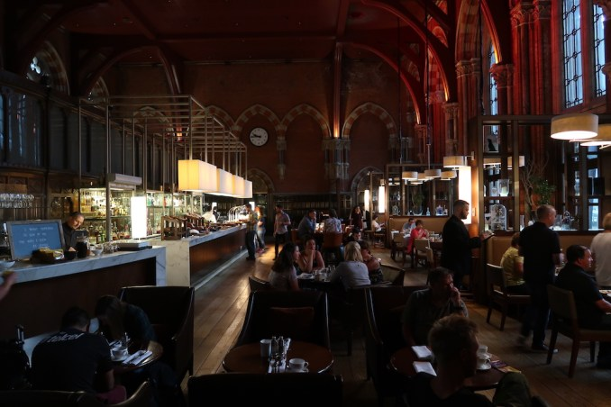 ST PANCRAS RENAISSANCE HOTEL: BOOKING OFFICE RESTAURANT (BREAKFAST)