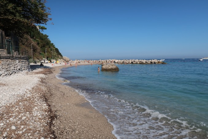 JK PLACE CAPRI: BEACH BELOW HOTEL