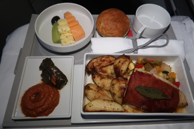 AIR FRANCE B787 BUSINESS CLASS: PRE-ARRIVAL MEAL