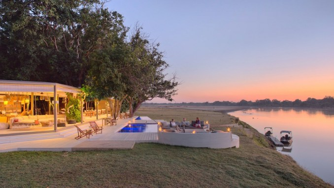 STAY AT ONE OF SOUTHERN AFRICA'S MOST EXCLUSIVE SAFARI LODGES: TIME + TIDE CHINZOMBO