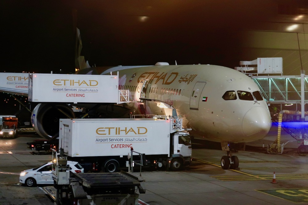 Review: Etihad Airways Boeing 787 Dreamliner Business Class