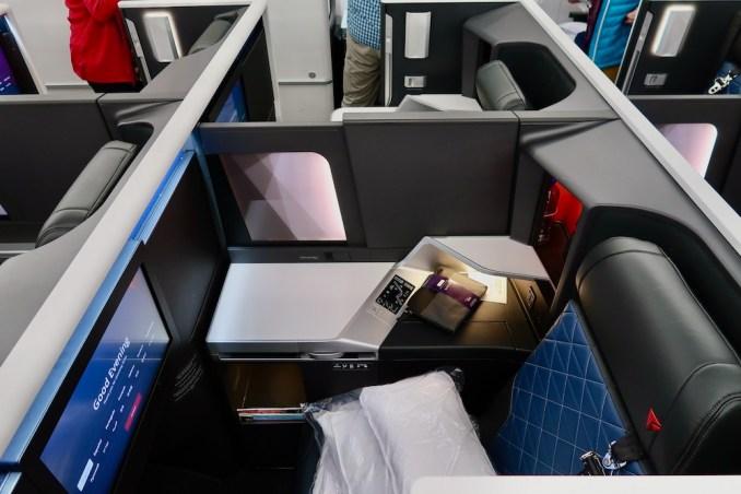 DELTA A350 BUSINESS CLASS CABIN