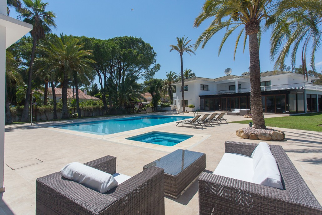 6 Bedroom Luxury Villa In Marbella By The Beach Luxury