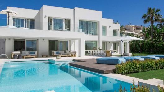 View Modern Villa Design Spain Pictures