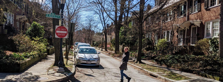 Alexa crosses a street wearing Pandere winter boot.