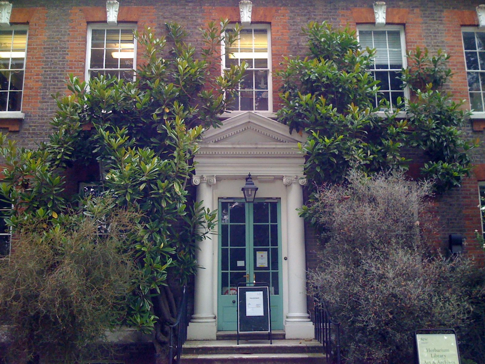 Kew Garden Hunter House