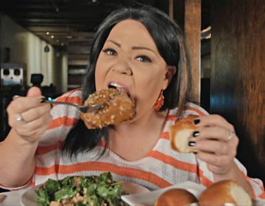 Dina-Nina-Martinez-eating