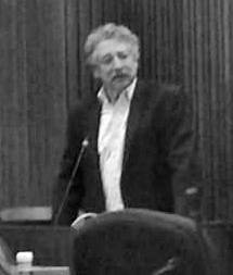 Madison Mayor Paul Soglin defending the ordinance at a council meeting Tuesday. Parth Shah/WPR