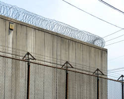 prison-wall-barbed-wire