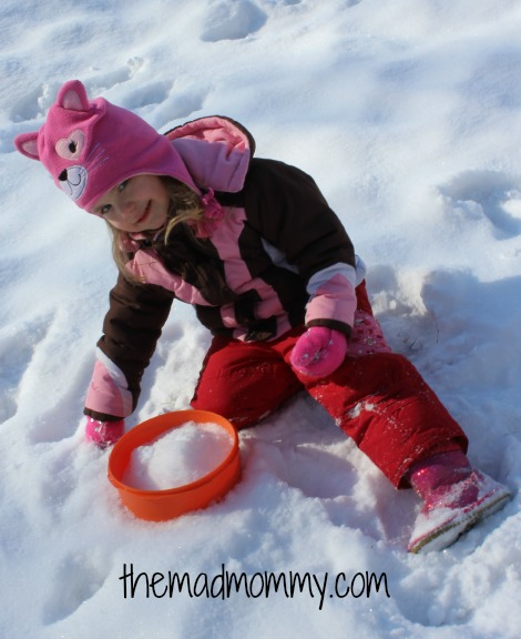snow play themadmommy.com