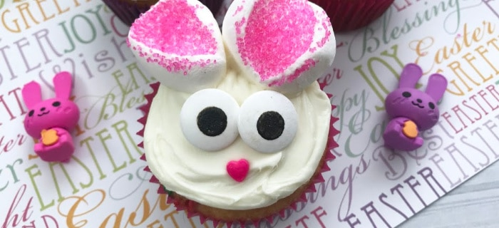 I am happy to say that these Easy Easter Bunny Cupcakes are adorable and a real crowd pleaser!