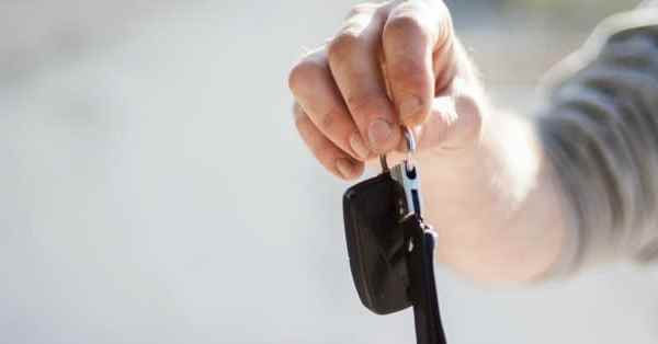 7 Things to Teach Your Kids Before Handing Over the Car Keys