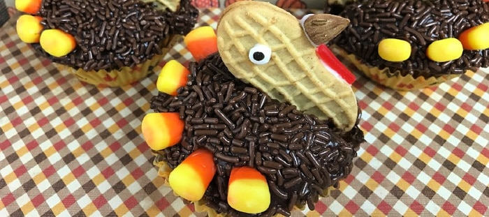 Thanksgiving is full of family, friends, eternal gratitude and some of the BEST recipes of the year! From the turkey itself, to the rivers of gravy and all of the delicious pies, the table is always full! However, you may want to save some room on your Thanksgiving table this year for these adorable Nutter Butter Turkey Cupcakes!