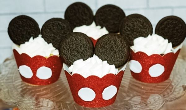 Mickey Mouse Inspired Cupcakes and Disney on Ice