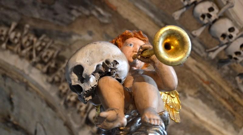 bone-church-sedlec-ossuary-015
