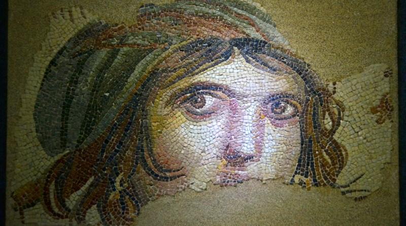 zeugma-gypsy-girl-mosaic