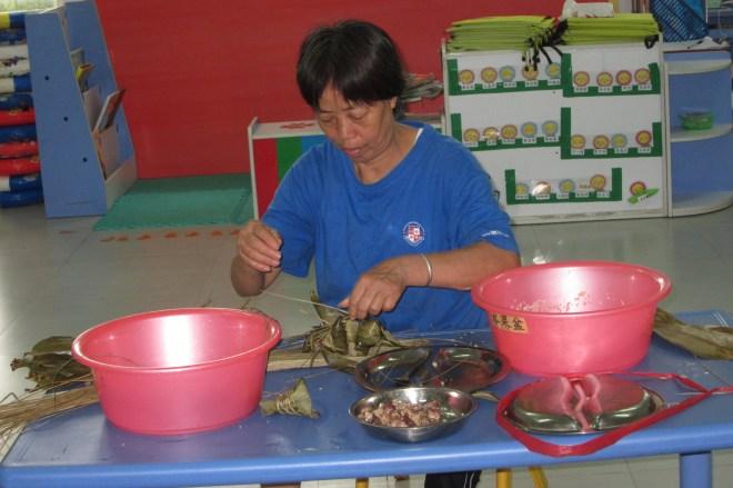 Learning to make zongzi