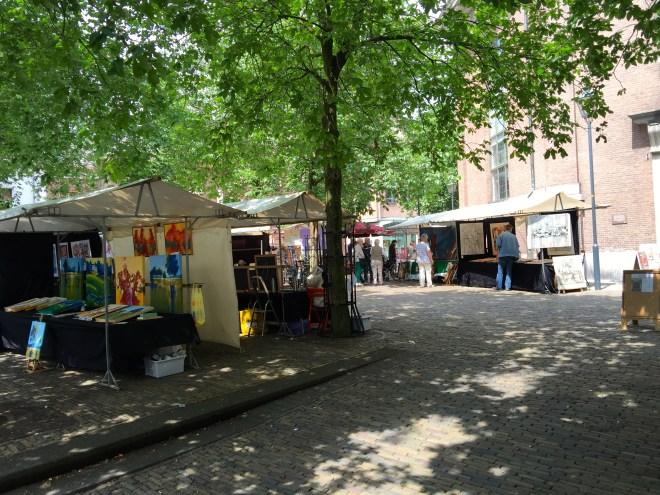 Saturday art market