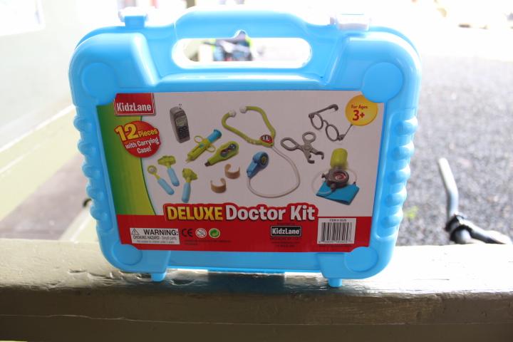 Kidzlane Deluxe Doctor Kit