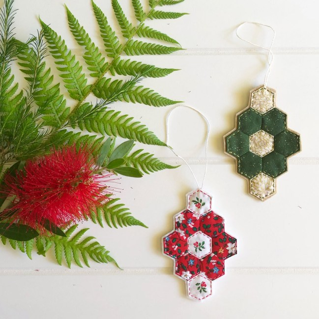 EPP Xmas - hex flower ornament 01