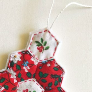 EPP Xmas - hex flower ornament 03