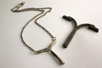 Lampost necklace