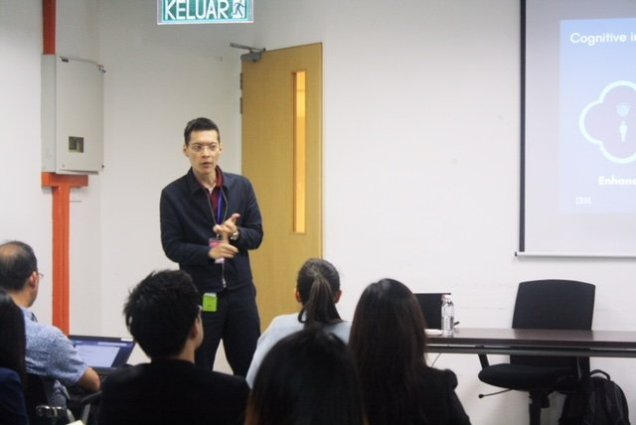 Image 4 Breakout session Lim Ken Vi, IBM Watson Artificial Intelligence & Legal Research