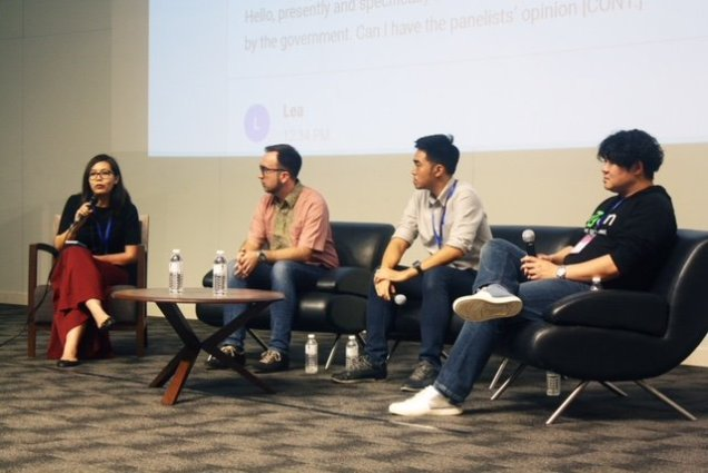 Image 4 Panel session on Blockchain and Smart Contracts The Future of Contract Law L to R Suraya Zainuddin, Financial Blogger at Ringgit Oh Ringgit (moderator); Rene Bernard, LuxTag; TM