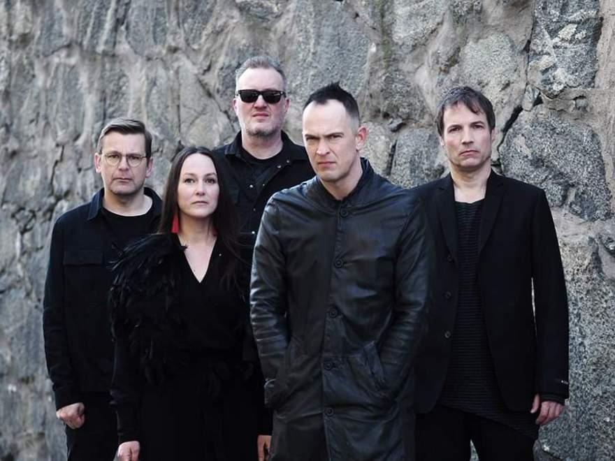 """Swedish folk rock pioneers GARMARNA premieres their new single """"Dagen Flyr""""."""